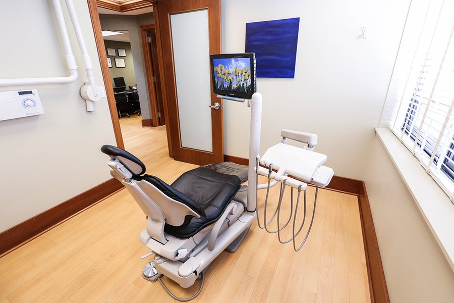 gallery-rockville-perio-Periodontist-doctor-elbert-chang-photo-by-jihonation-IMG_4097